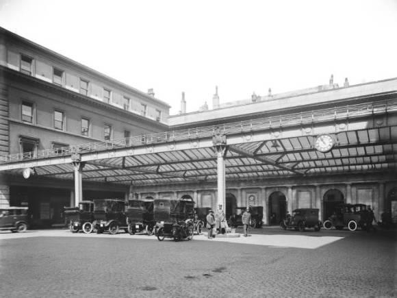 Euston Station 1920s