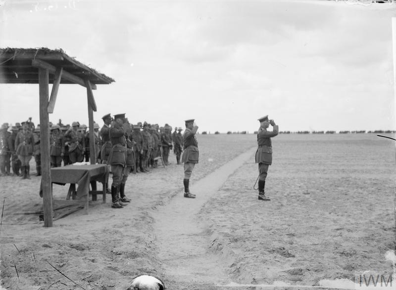 Q12527 Taking the Royal Salute Prince Arthur, Duke of Connaught 12.3.18 Ismailia